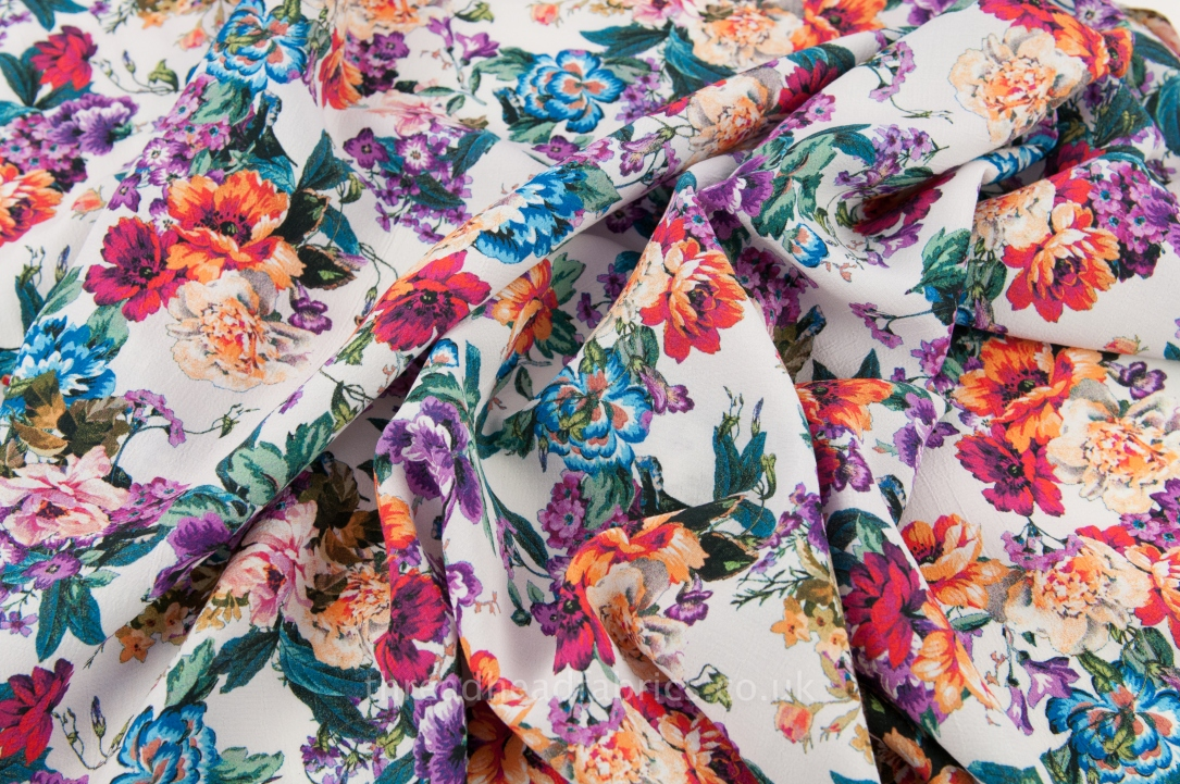 d6c88a0430c Beautiful Bright Floral Viscose Dressmaking Fabric by the Half Metre ...
